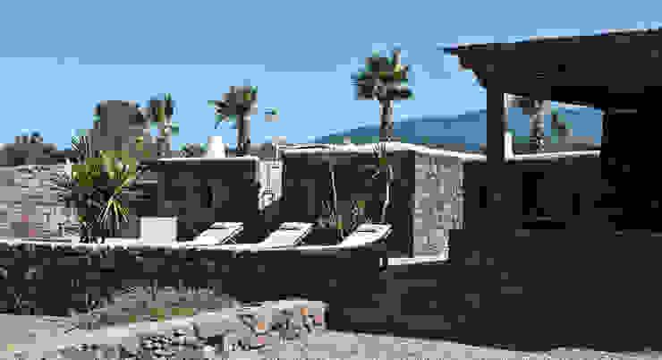 terrazzo esterno di Gianluca Bugeia ARCHITETTO Mediterraneo Pietra