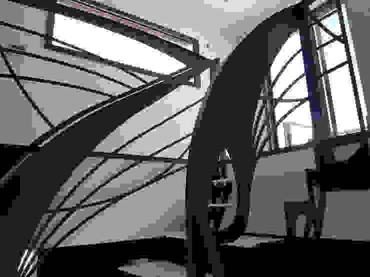 Escalier design double quart tournant Art Nouveau par La Stylique Industriel