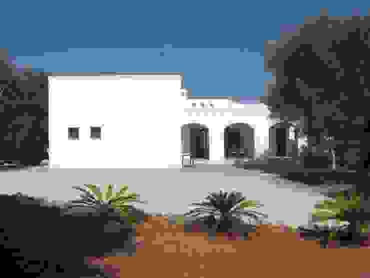 CASA SERRI Case in stile mediterraneo di Studio De Biasi Architetto Mediterraneo