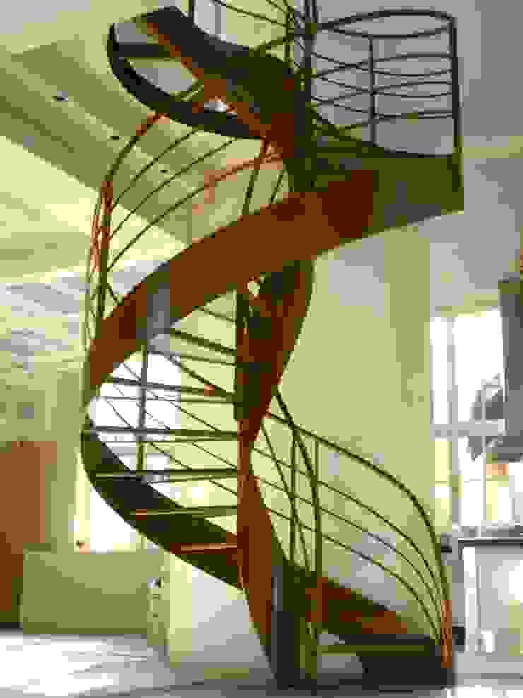 Escalier design hélicoïdal par La Stylique Moderne