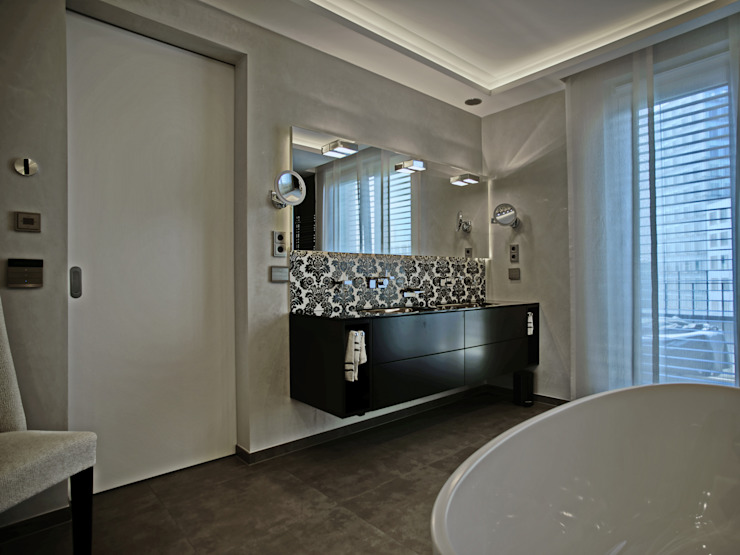 Das klassische-moderne Bad UTH living stone GmbH Moderne Badezimmer