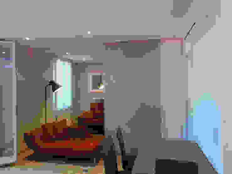 Salon avec une cloison de séparation Salle à manger moderne par Casavog Moderne