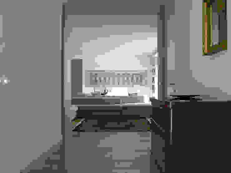 Casa FR Case moderne di _UpA Moderno