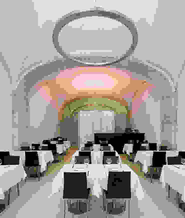 Restaurante Santa Rita (2011) Espaços de restauração minimalistas por pedro pacheco arquitectos Minimalista
