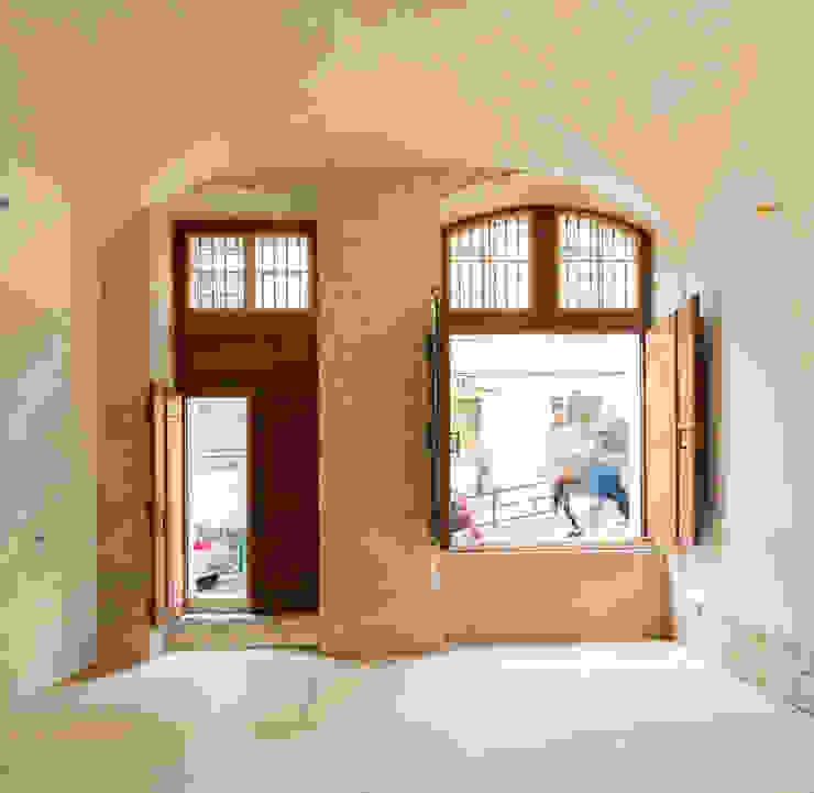 Atelier Calçada do Correio Velho (2014) Lojas e Espaços comerciais minimalistas por pedro pacheco arquitectos Minimalista