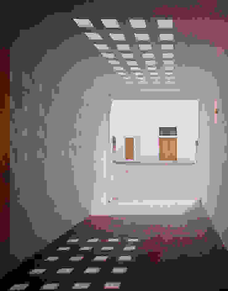 Maison FOBE Balcon, Veranda & Terrasse minimalistes par Guilhem EUSTACHE Architecte DESA Minimaliste