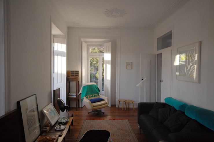 Apartamento Pedras Negras (2012) Salas de estar minimalistas por pedro pacheco arquitectos Minimalista