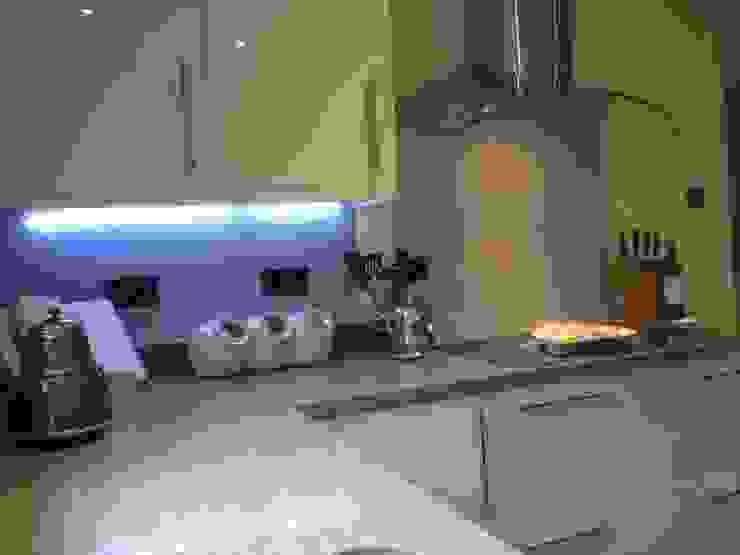 Grigio Natura Quartz and Cream Gloss kitchen Henley McKay Kitchens KitchenCabinets & shelves