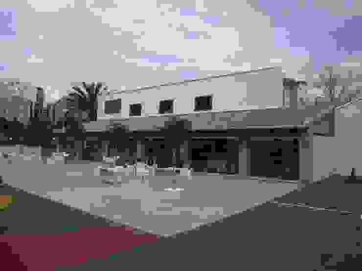 Porche con terrazas garcia de leonardo arquitectos Gastronomía de estilo rústico