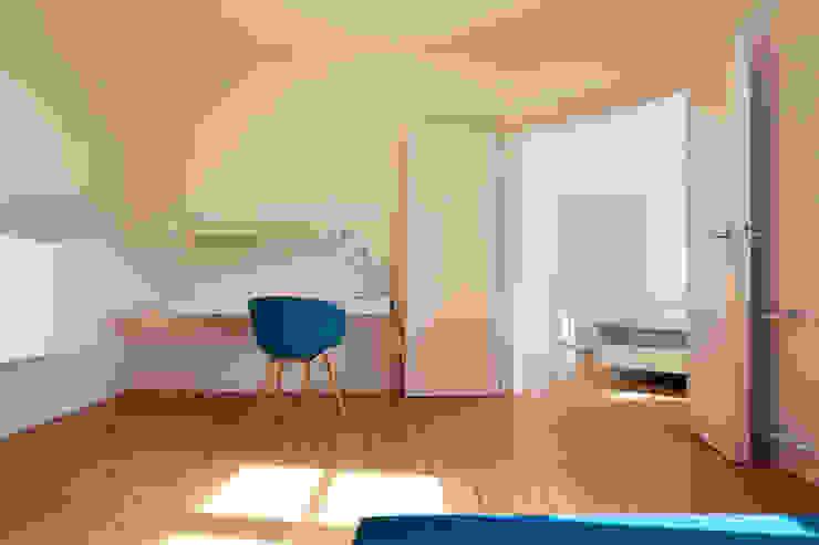 Internationales Gästehaus der Hochschule Darmstadt THOMAS GRÜNINGER ARCHITEKTEN BDA Arbeitszimmer
