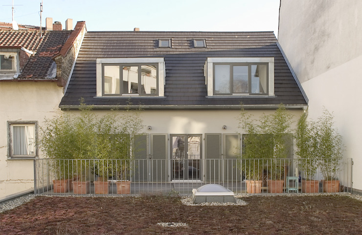 Balcony, veranda & terrace by THOMAS GRÜNINGER ARCHITEKTEN BDA