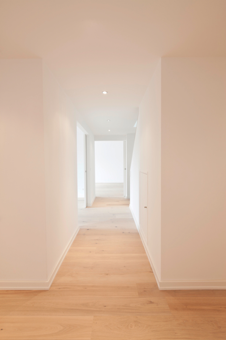 in_design architektur Classic style corridor, hallway and stairs