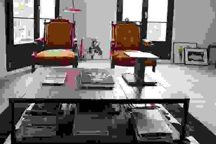 Mobilier salon Maisons modernes par Galaktik Moderne