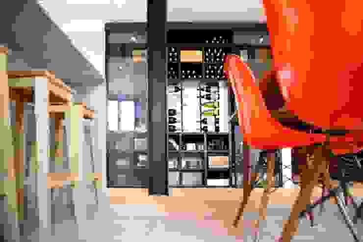 Cave à vin Maisons modernes par Galaktik Moderne