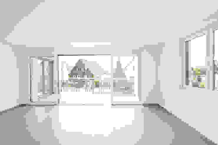Wohzimmer der 'Single-Best-Ager' - Wohnung Moderne Wohnzimmer von in_design architektur Modern