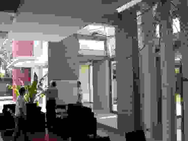 Interior Pasillos, vestíbulos y escaleras de estilo mediterráneo de garcia de leonardo arquitectos Mediterráneo
