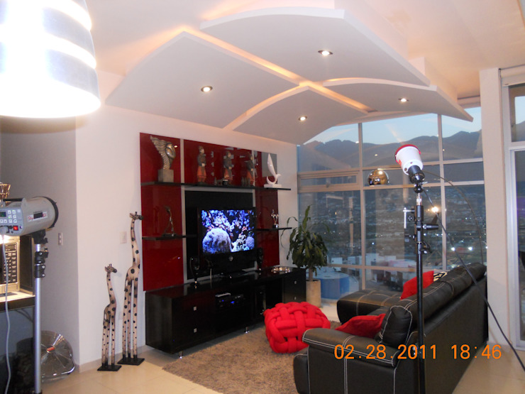 Modern Living Room by INTERIORISMO MG Modern