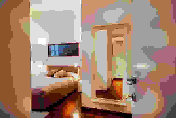 Camera matrimoniale Case in stile minimalista di Graphite Minimalista
