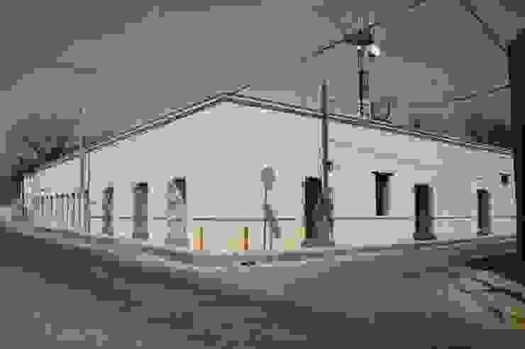 FACHADA Casas coloniales de CORTéS Arquitectos Colonial