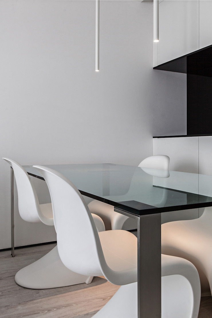 Modern dining room by Arch. Andrea Pella Modern