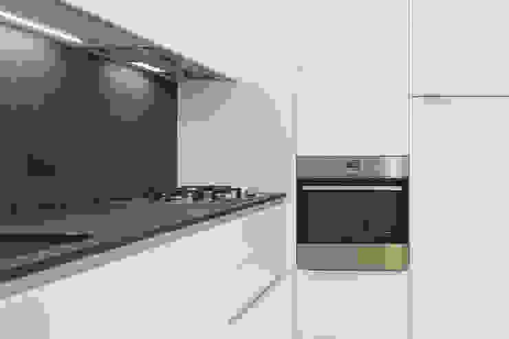 Cozinhas modernas por Arch. Andrea Pella Moderno