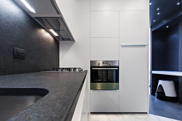 Modern kitchen by Arch. Andrea Pella Modern