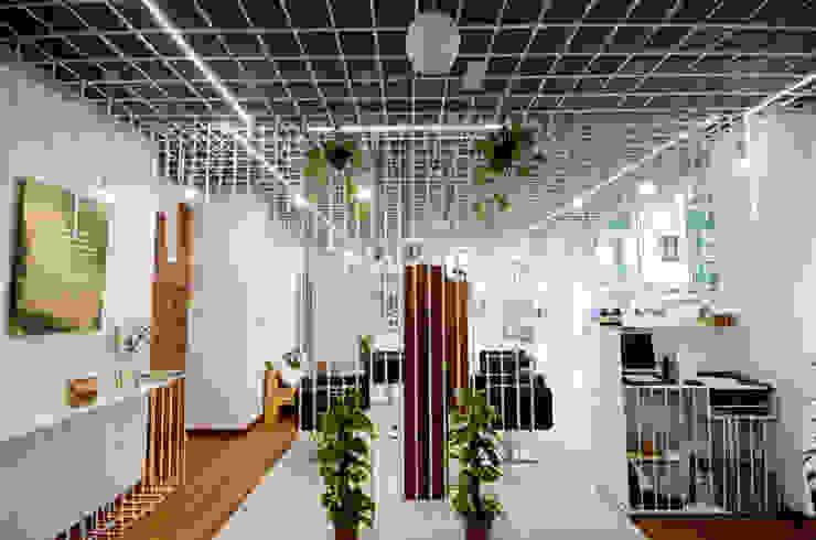Inés Pose Lifestyle Salon Espacios comerciales de estilo minimalista de STGO Minimalista