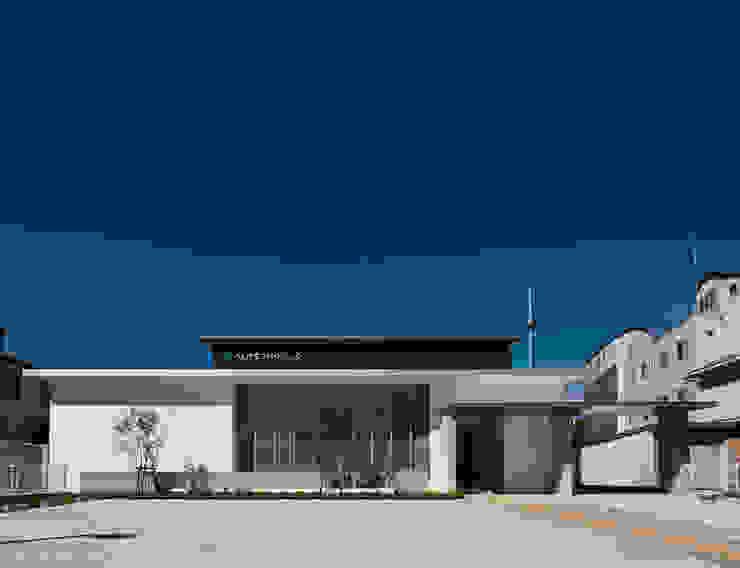 シンプルな形状の構成によるクリニック外観 モダンな病院 の 株式会社古田建築設計事務所 モダン