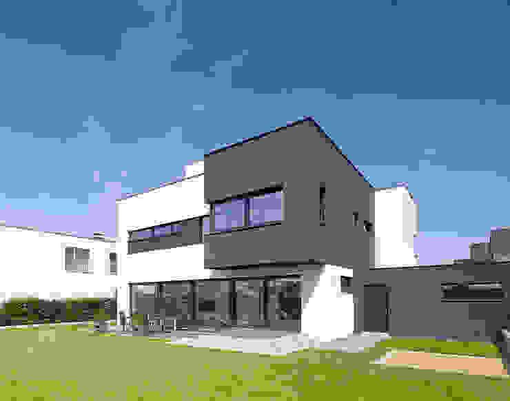 Haus L in Köln Widdersdorf von archicraft