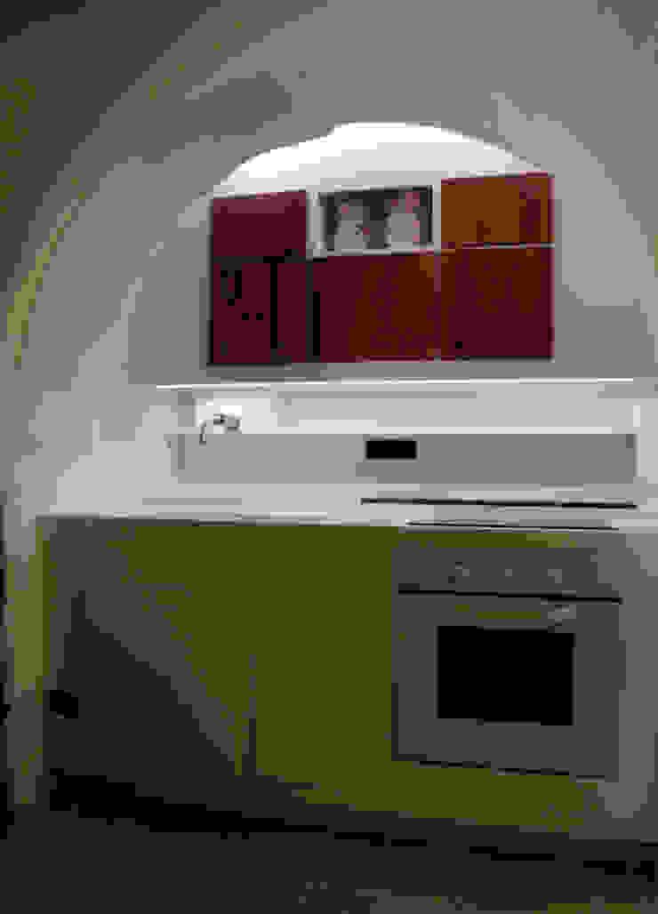Cucina nel trullo Cucina di Worma Lightbuilding