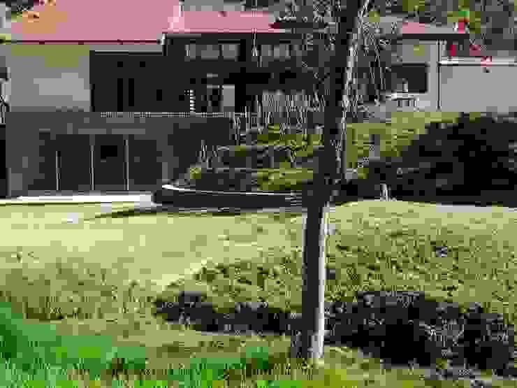 VISTA JARDIN Jardines modernos de CESAR MONCADA S Moderno