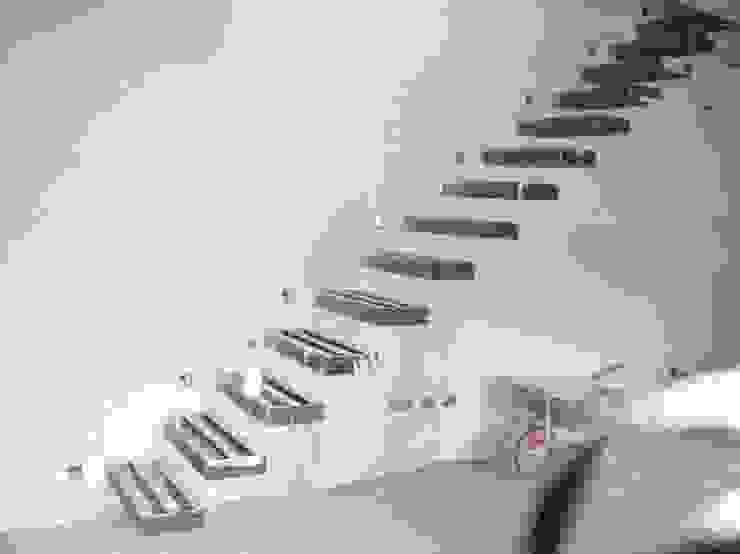 loft di Studio Tecnico Geom. Adriano De Marco Moderno