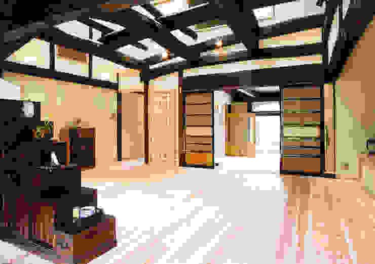 再生により構造体を現わしにしたリビング 株式会社古田建築設計事務所 和風デザインの リビング