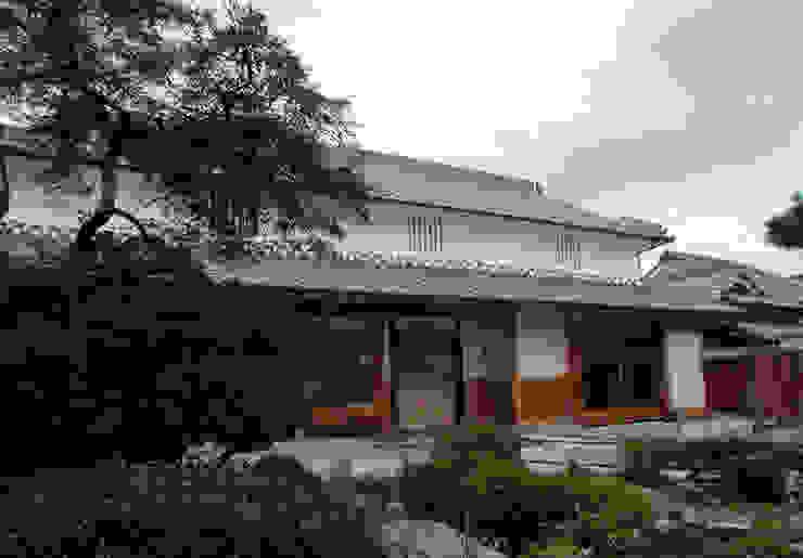 懐かしい風景に合う形に再生された佇まい 日本家屋・アジアの家 の 株式会社古田建築設計事務所 和風