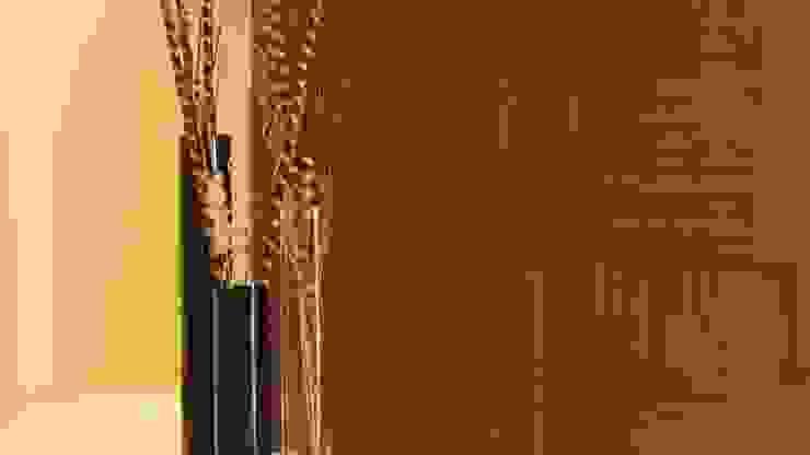PALMAS 02 Paredes y pisos de estilo moderno de NIVEL TRES ARQUITECTURA Moderno