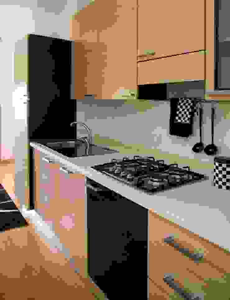 dettaglio blocco cucina dopo di Mariagrazia Guarini Home Stager & interior Design