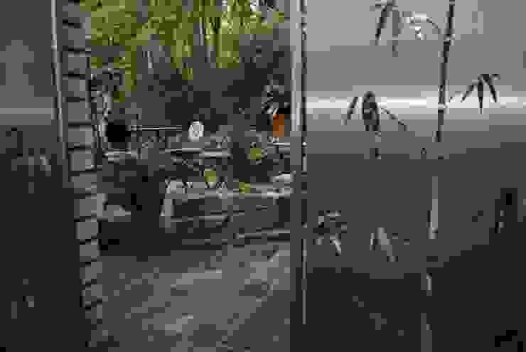 Stainless Steel Design. Modern Garden by Edelstahl Atelier Crouse: Modern
