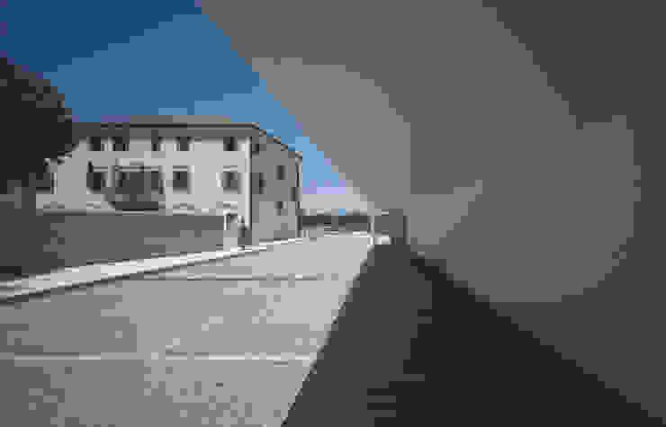 Open public place in Povegliano (TV) di MICROSCAPE architecture_urban design AA