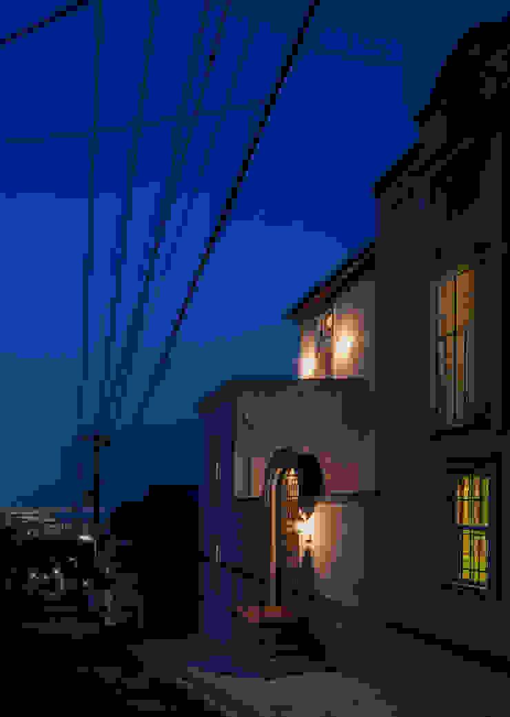 苦楽園のA邸 夜景 クラシカルな 家 の 一粒社ヴォーリズ建築事務所 クラシック
