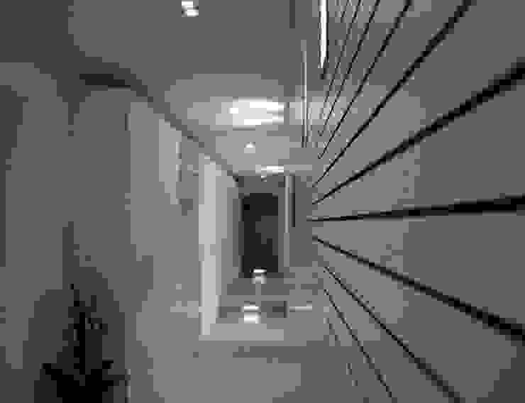 Hoteles de estilo moderno de STUDIO ARCHITETTURA-Designer1995 Moderno
