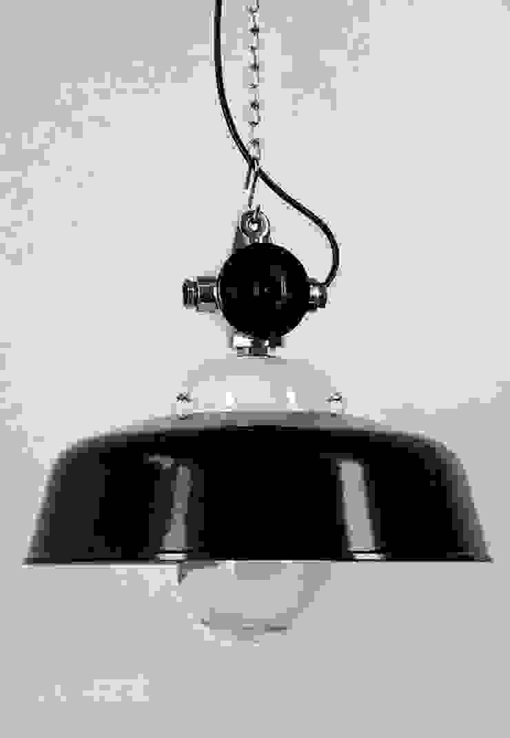 """<q class=""""-first"""">APOLDA ICE</q> Industriedesign Fabriklampe Bakelit Porzellan Glas: industriell  von Lux-Est,Industrial"""