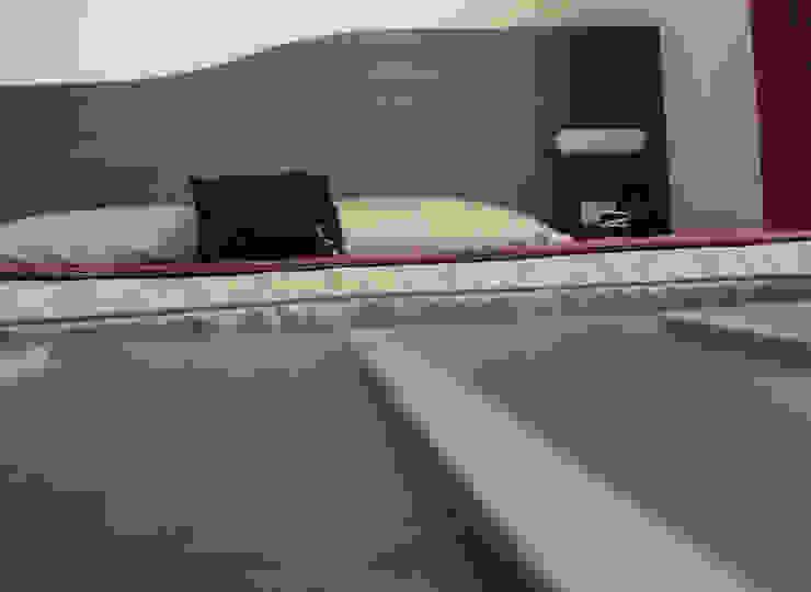 Particolare testata letto camera bed and breakfast Hotel moderni di STUDIO ARCHITETTURA-Designer1995 Moderno