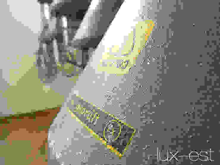 """""""PIRNA S PETROL"""" : industriell  von Lux-Est,Industrial"""
