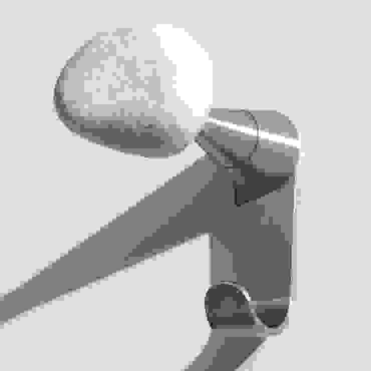 STONES Plus, appendiabiti da parete di Insilvis Divergent Thinking Eclettico