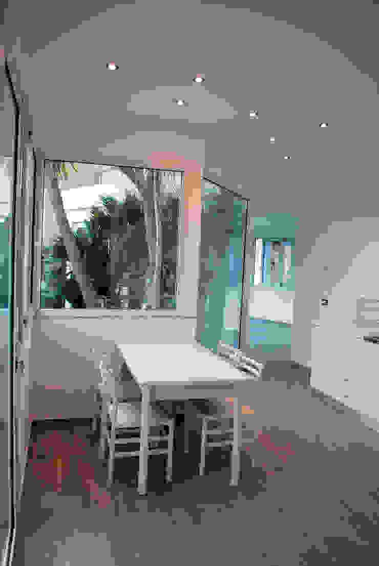 kitchen Cucina moderna di 'ArchIM&DE Project' - Arch. Vincenzo Di Natale - Moderno