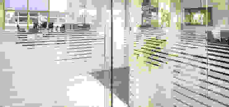 OFICINAS ANWB + ADAC BARCELONA Oficinas y tiendas de estilo moderno de estudio KAW Moderno