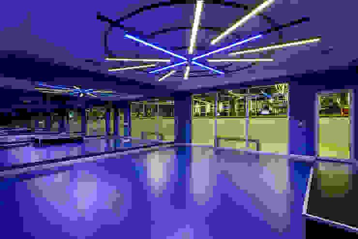 Gimnasios en casa de estilo moderno de CO Mimarlık Dekorasyon İnşaat ve Dış Tic. Ltd. Şti. Moderno