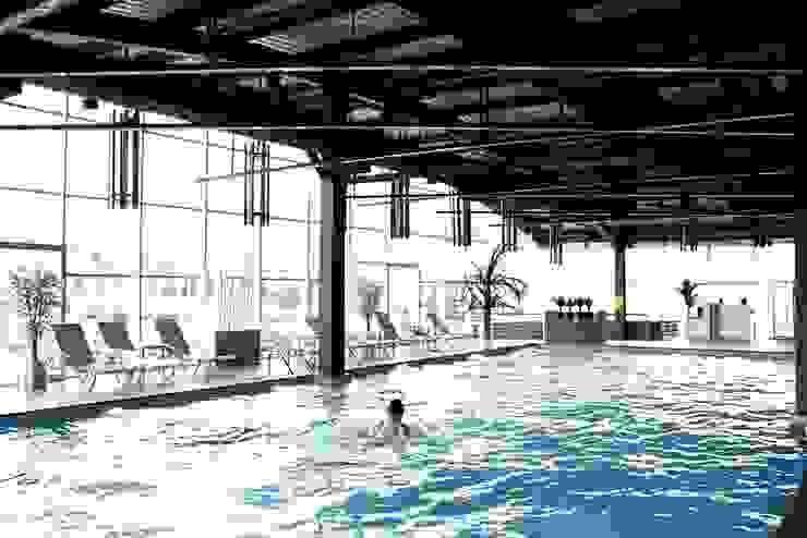 Çayyolu / Ankara Modern Havuz CO Mimarlık Dekorasyon İnşaat ve Dış Tic. Ltd. Şti. Modern