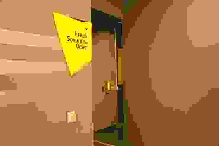 Closets de estilo moderno de CO Mimarlık Dekorasyon İnşaat ve Dış Tic. Ltd. Şti. Moderno