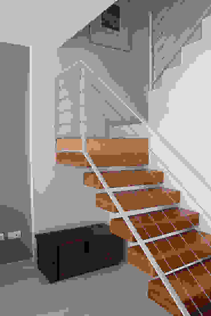 Escalera Vivienda Triana Casas de estilo moderno de Angar Arquitectos Moderno